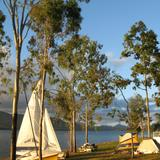 camping beside lake tinaroo