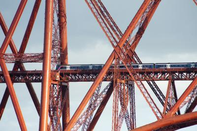 forth bridge train