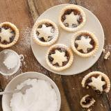Baking Christmas mince pies