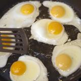 Frying a batch of eggs